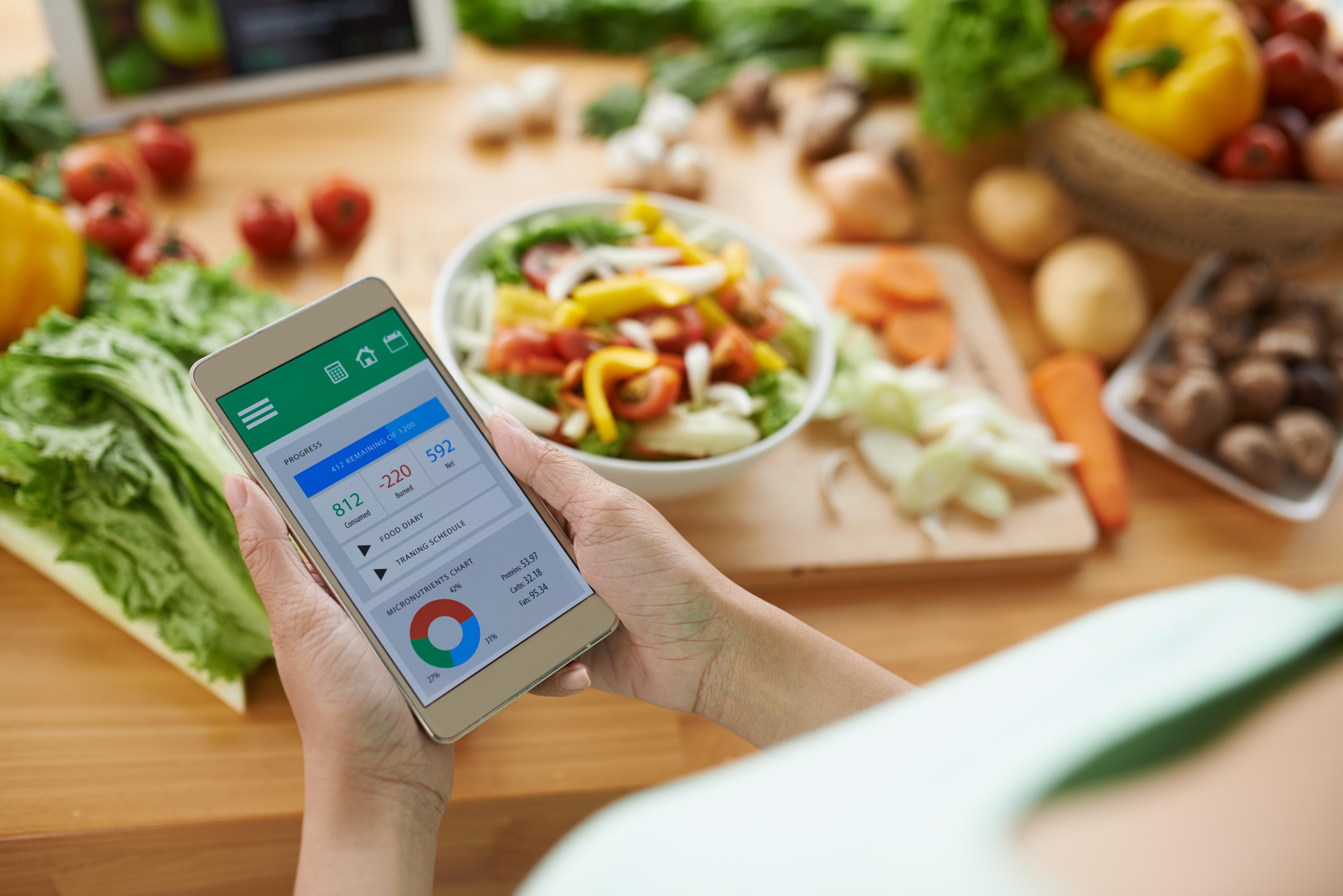 Nuevo dispositivo para contar las calorías según el sonido de los alimentos