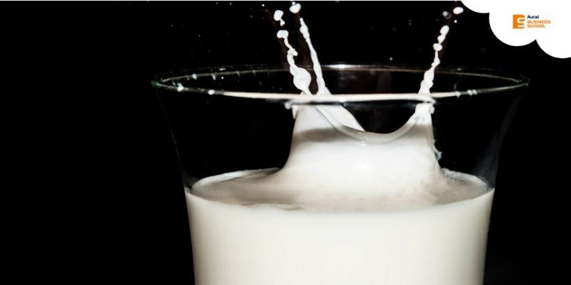 Los tópicos sobre la leche más polémicos que has escuchado
