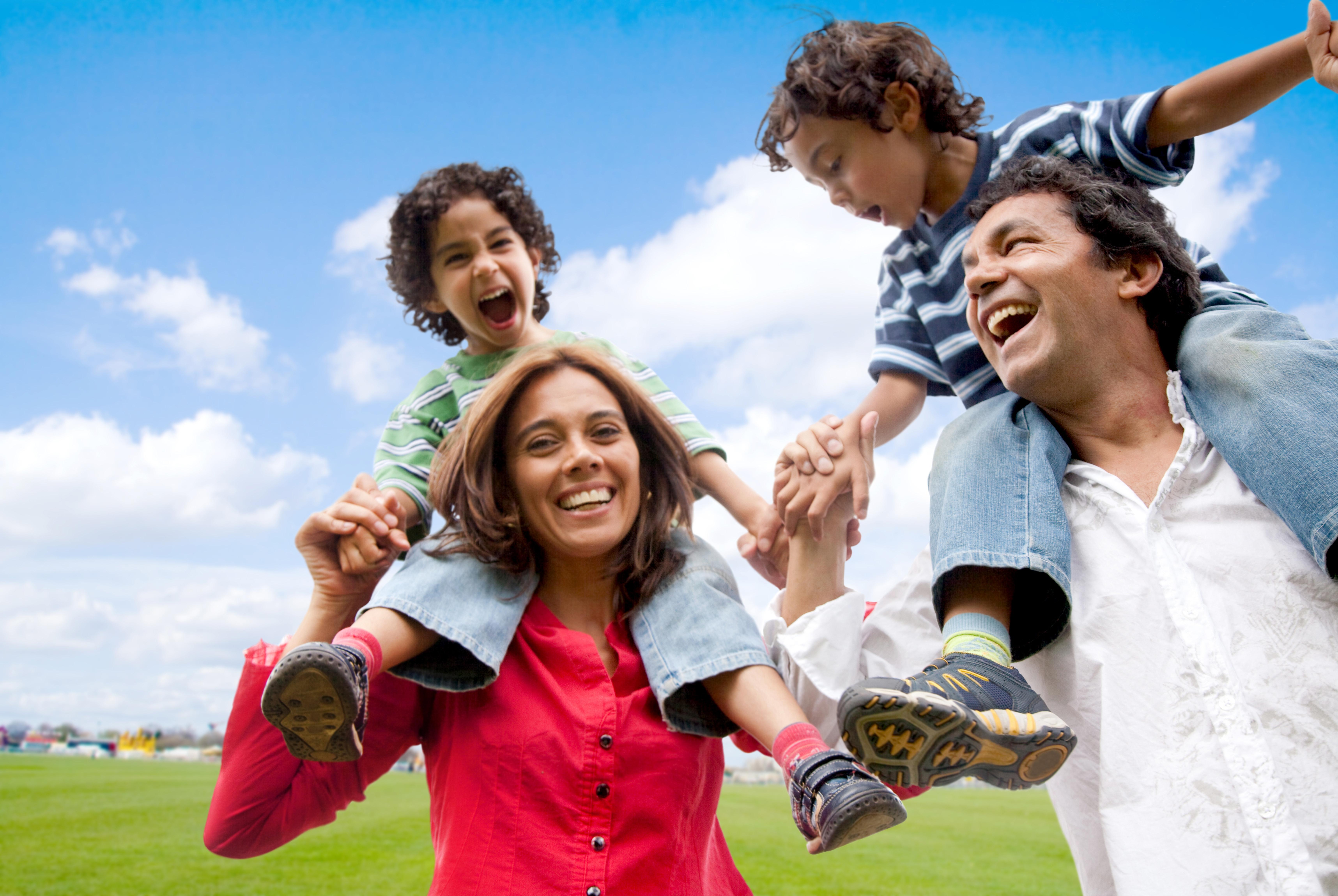 Los niños son felices en familia | Social